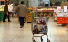 Pescia: sanzionato un supermercato per venditore abusivo all'esterno
