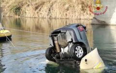 Pisa: auto finita nel Serchio, individuato il corpo del terzo romeno