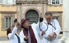 Lucca: caccia al fantasma di Napoleone, in piazza Grande