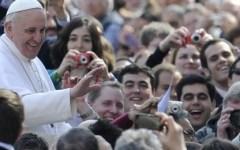 Papa Francesco: invita i cattolici a tornare nella grande politica