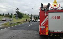 Pistoia: un morto e tre feriti in uno scontro frontale al casello autostradale. Vittima un carabiniere