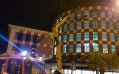 Firenze: ai Gigli operaio bloccato di notte a 20 metri d'altezza. Salvato dai vigili del fuoco