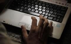Informatica: cyberattacchi in tutto il mondo, pc presi in ostaggio da virus, i pirati chiedono riscatto di 300 euro