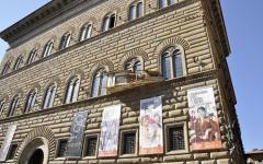 Firenze: transennato Palazzo Strozzi, cornici di due finestre pericolanti