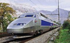 Parigi: bloccato treno AV, un passeggero esalta la Jihad e minaccia i controllori