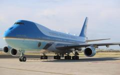 Roma: Trump e Melania atterrati a Fiumicino con l'Air Force One. Poi a Villa Taverna