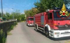 Firenze: incendio al campo nomadi del Poderaccio. Paura ma nessun ferito