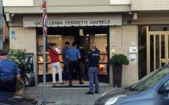 Pisa: ucciso un rapinatore, il gioielliere reagisce e spara. Fuggito l'altro complice