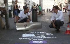 Firenze: in centro graffiti antidegrado, fatti a base di yogurt, facilmente cancellabili