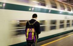 Trasporti: 16 giugno venerdì nero, sciopero generale di alcuni sindacati. Disagi per treni, aerei, mezzi urbani