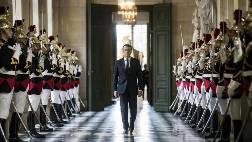 Francia, arrestato 23enne: voleva uccidere Macron a parata 14 luglio