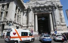 Milano: subito libero l'aggressore dell'agente, ferito da un colpo di coltello