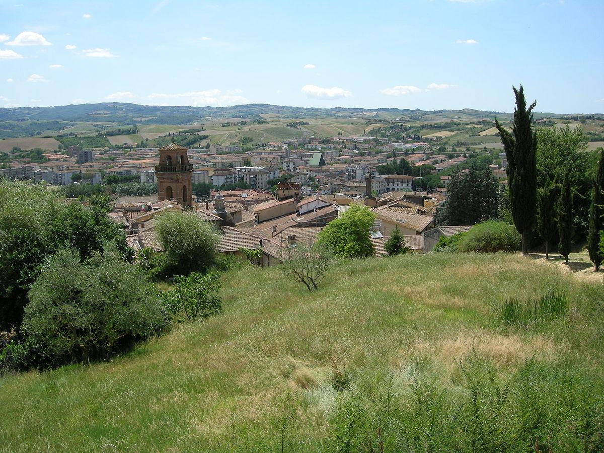 Castelfiorentino, trovata morta sul ciglio della strada: si cerca pirata