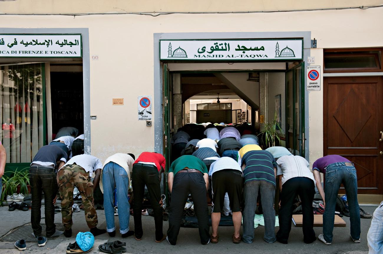 Moschea a Firenze, l'Imam: pazienza finita, faremo da soli