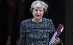 Londra, Brexit: la May annuncia, il divorzio dall'Ue non sarà breve. Ma Moody's declassa il regno Unito
