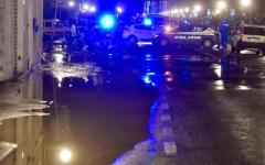 Firenze: caos traffico, chiuso lungarno Cellini, ancora un tubo d'acqua rotto