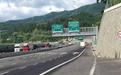 A1 Roncobilaccio: muore nel tamponamento fra due tir, traffico bloccato nella corsia nord