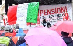 «Pensioni, i conti non tornano»: manifestazione della Cgil in cinque città