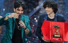 Festival di Sanremo 2018: vincono Ermal Meta e Fabrizio Moro (dopo aver rischiato l'esclusione). Standing ovation per Laura Pausini