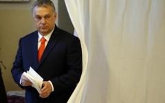 Orban rivince le elezioni in Ungheria: «Difenderò il Paese dal pericolo mortale dei migranti»