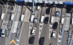 Concessione Autostrade, Toninelli: «Revoca subito!». Ma gli esperti del Mit consigliano di rinegoziare