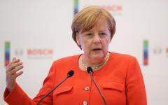 Merkel: i migranti saranno per lei l'inizio della fine. Lo scrive il Washington Post