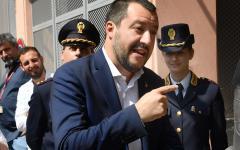 Migranti, porti chiusi: arrivano altre due navi Ong olandesi. Salvini: «Non sbarcano in Italia»