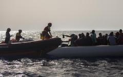Migranti: nave Open Arms andrà in Spagna. A bordo 300 persone