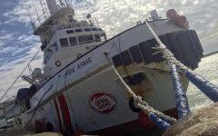 Migranti: divieto di ingresso anche per nave Open Arms firmato da Salvini