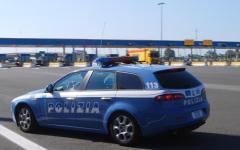 Arezzo: bimbo chiuso in auto soccorso dalla polstrada
