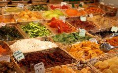 Commercio: apertura domenicale dei negozi, riparte il confronto. La posizione della Chiesa