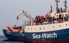 Migranti: nave Sea Watch a sud est di lampedusa, attende di poter sbarcare 47 persone