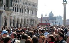 Venezia: con la manovra ticket d'ingresso per i turisti. 10 euro a testa