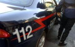 Prato: piccolo arsenale (4 fucili e una pistola) trovato in un terreno agricolo dai carabinieri