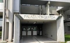 Prato: figlio con 15enne, iniziata l'udienza in Tribunale