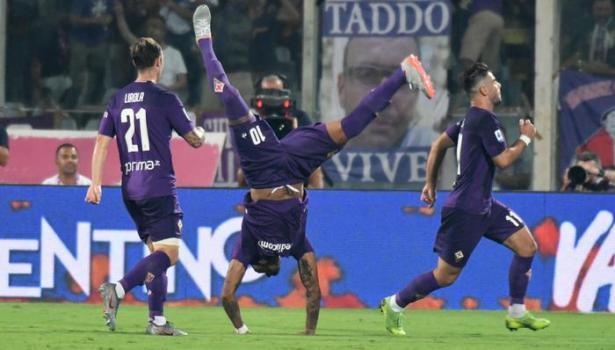 Fiorentina: l'arbitro Massa protagonista negativo. E la difesa sbaglia troppo. Il Napoli vince (3-4). Pagelle
