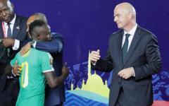 Razzismo nel calcio: Infantino presidente Fifa condanna fischi a Dalbert, in Italia situazione grave