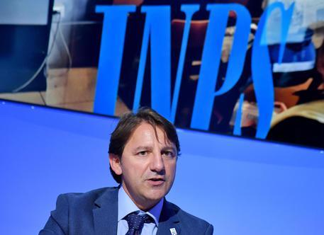 Tridico Inps stiamo riempiendo soldi italiani Commenti sarcastici delle opposizioni