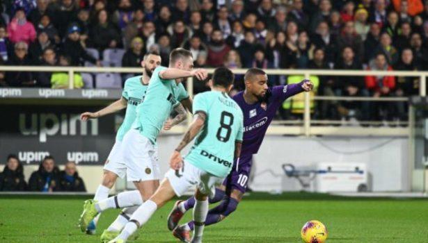 Vlahovic salva la Fiorentina al 93′ con un gol straordinario: 1-1 con l'Inter. Chiesa fischiato. Pagelle
