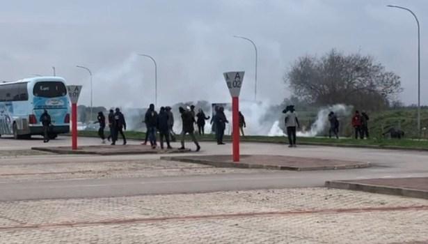 Foggia: ancora disordini e violenze, migranti lanciano pietre contro Forze dell'ordine