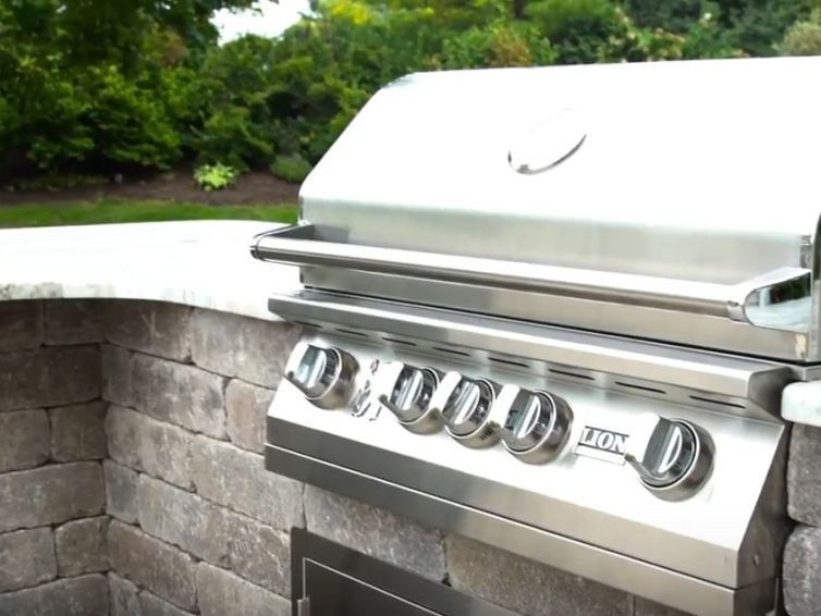 Creation of a perfect outdoor kitchen