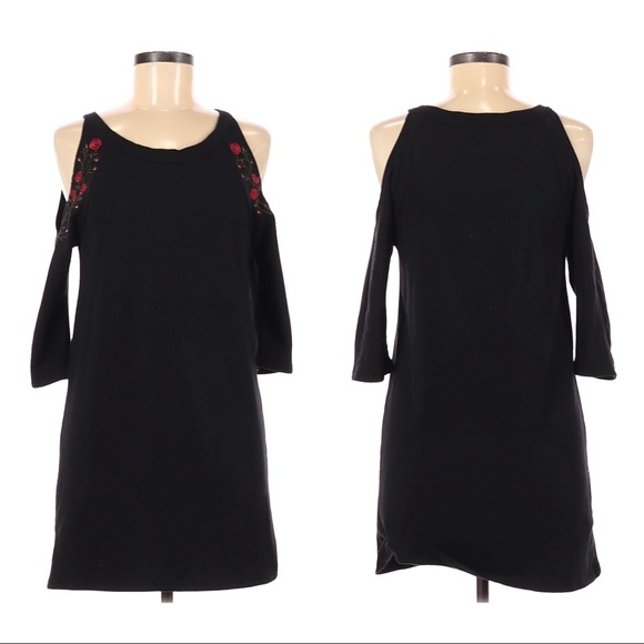 Franchesca's Alya black cold shoulder sweater dress embroidered roses size XS