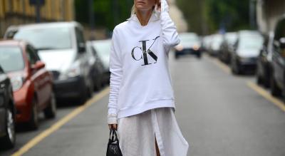 Zeci de pulovere dama Calvin Klein originale pe ShopAlert