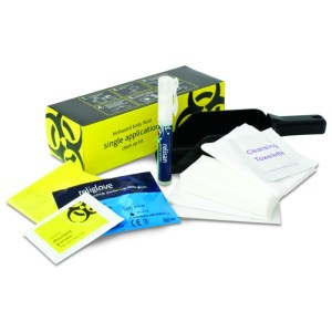 1 application body fluid clean-up kit