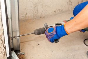 Getting Your Garage Door Ready for Hurricanes