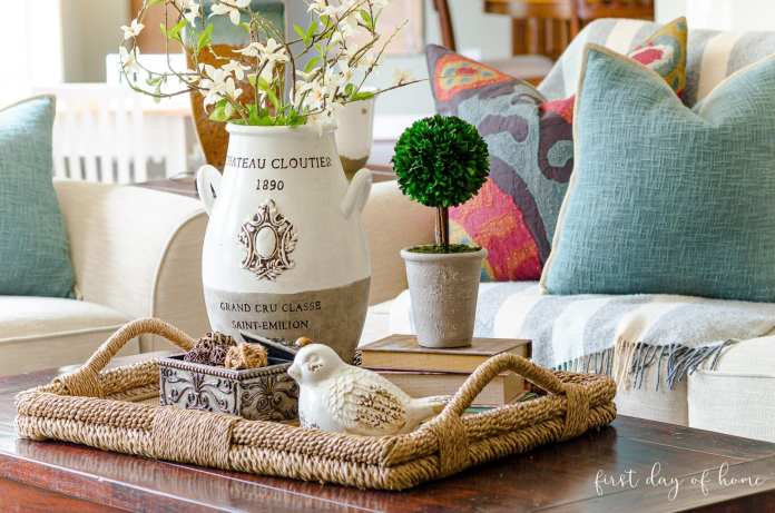 How To Create An Elegant Look With Coffee Table Decor