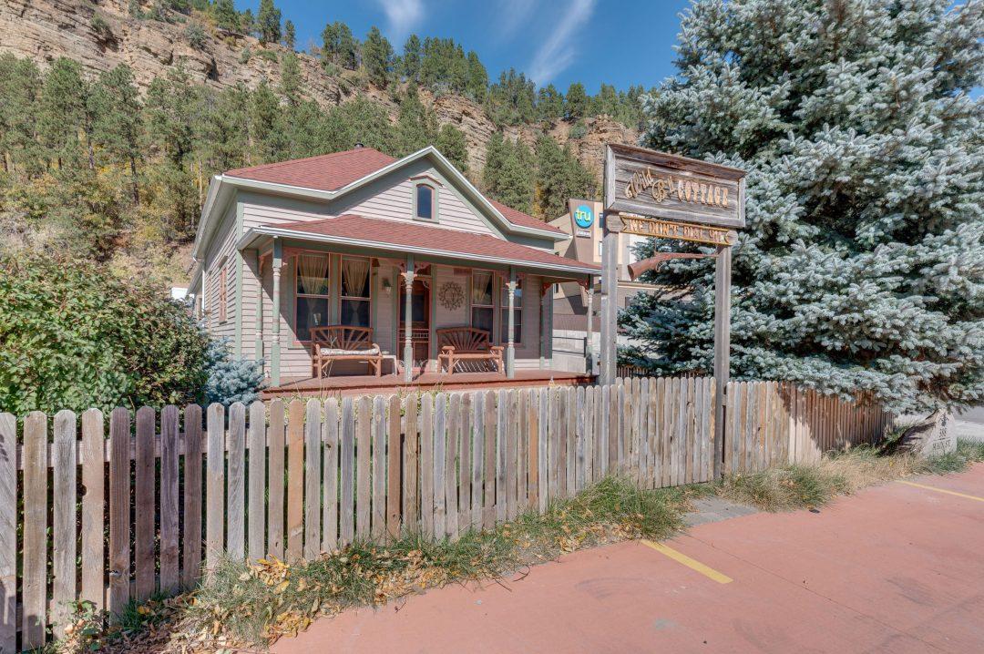 Wild Bill Cottage - First Deadwood Cottages