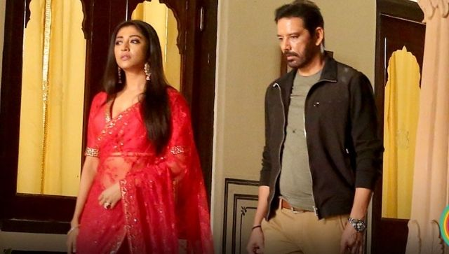 Raat Baaki Hai movie review Annup Sonii Paoli Dams ZEE5 film confuses vagueness for intrigue