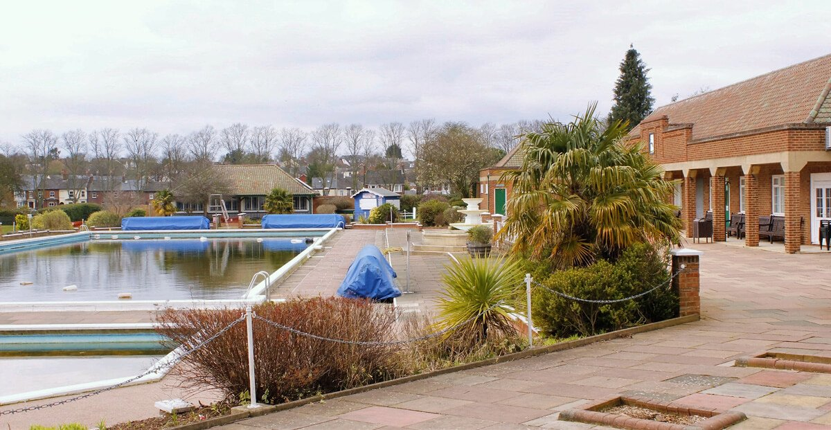 Hitchin Pool