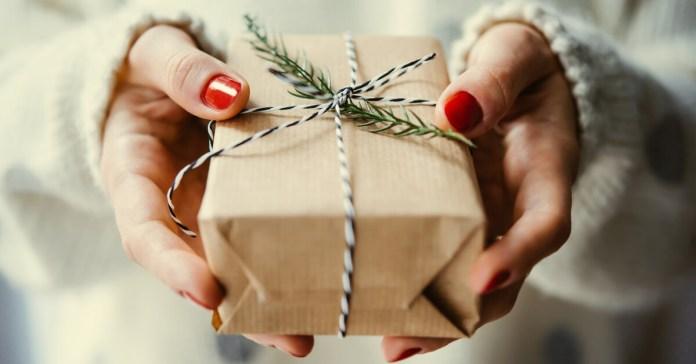 Strenne natalizie: trattamento contabile, fiscale e IVA